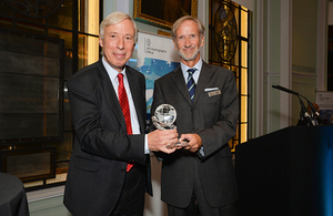 Alexander Dalrymple Award presented to UKHO's Jeff Bryant