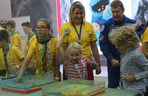 Tim Peake joins mission to inspire future engineers as The Holiday Makers challenge blasts off at Farnborough Airshow