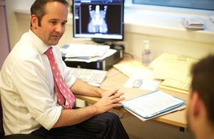 Jeremy Hunt announces salary supplement for trainee GPs