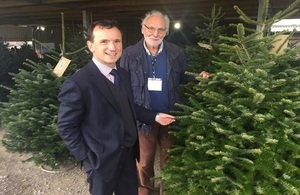 Welsh Secretary awards grower of Downing Street Christmas tree