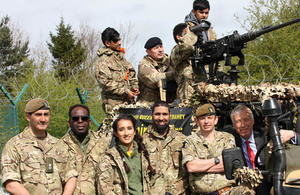 Defence minister meets teenagers taking part in pilot Army supercamp